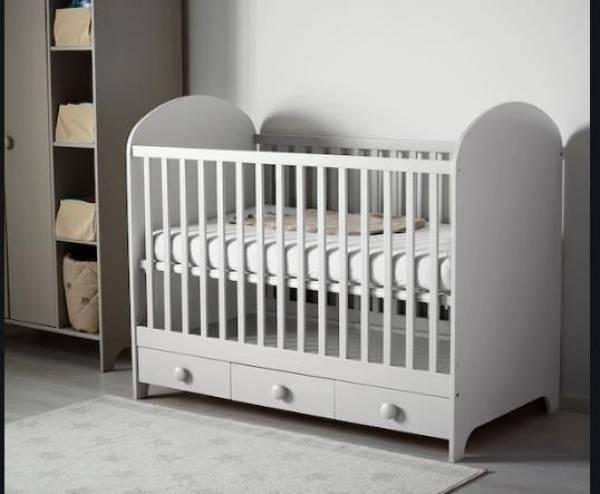 Bebesko-krevetce-sto-se-pravi-i-dvosed (1)